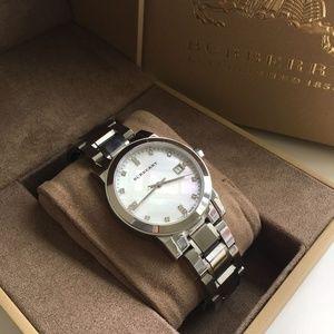 31b64f253394 Burberry Accessories - BRAND NEW Burberry Diamond Ladies Watch BU9125
